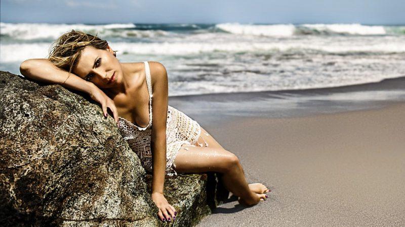 Moda de playa: no sólo trajes de baño y peleles