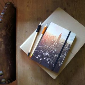 Cuadernos y libretas bonitas, productos de moda entre las mujeres