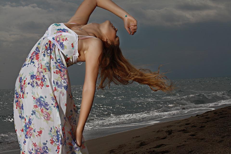 Peinados súper fáciles para lucir en la playa