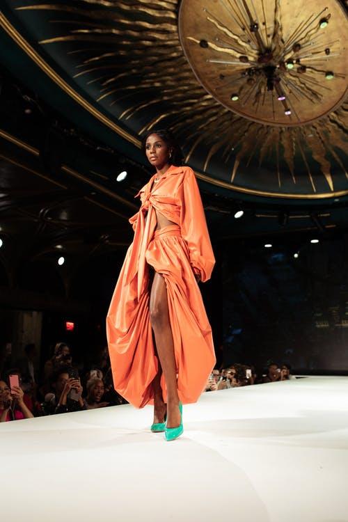 La cambiante tradición de los desfiles de moda durante la pandemia